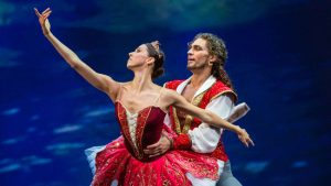 "Mikhailovsky Ballet's ""Le Corsaire"" at Segerstrom, ""Cinerama's Russian Adventure"" on video"